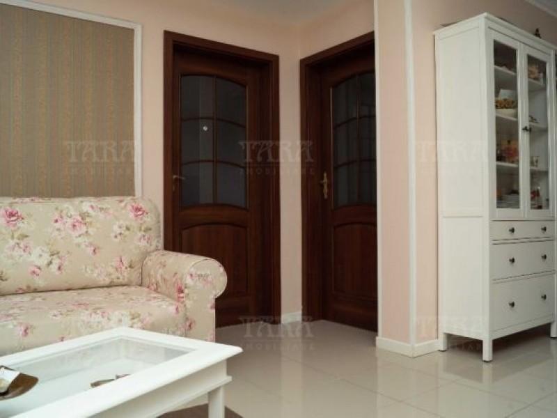 Apartament Cu 3 Camere Floresti ID V520581 2
