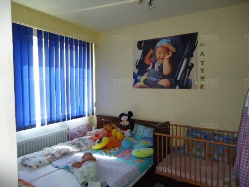 Apartament Cu 3 Camere Semicentral ID V366457 4