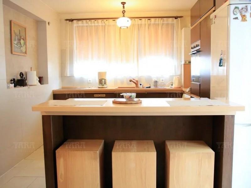 Apartament cu 4 camere, Europa