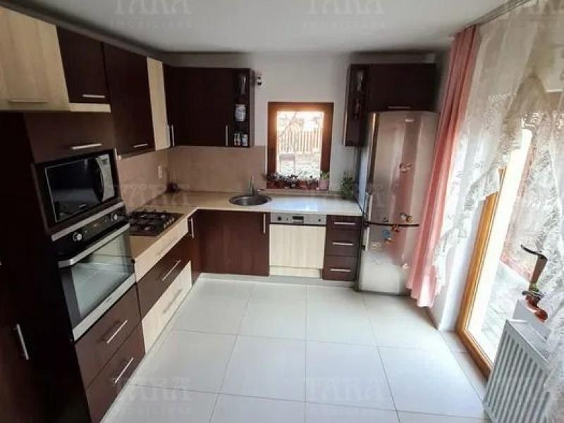 Casa Cu 6 Camere Europa ID V1120972 1
