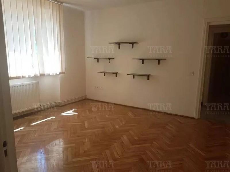 Apartament Cu 2 Camere Ultracentral ID V822080 2