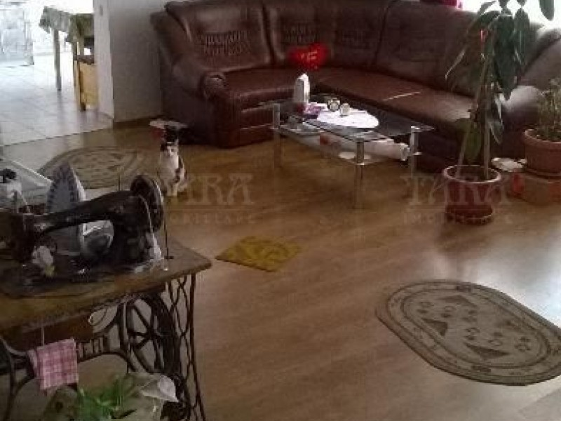 Casa Cu 3 Camere Floresti ID V154583 1