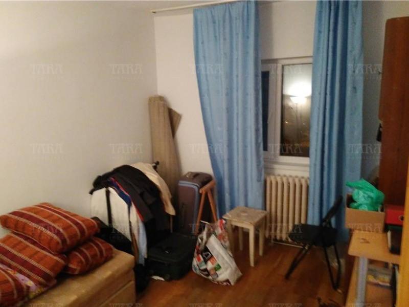 Apartament Cu 3 Camere Plopilor ID V864757 3