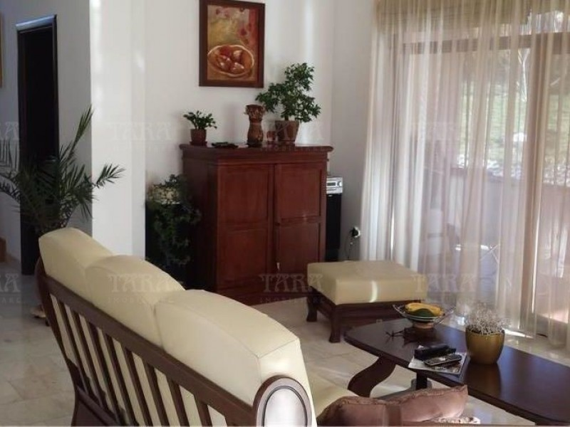 Casa 4 camere, Borhanci