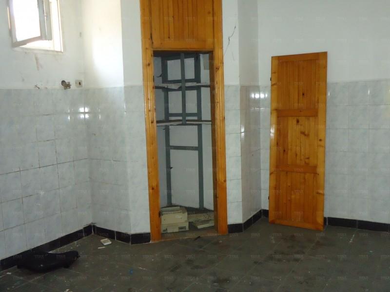 Casa cu 7 camere, Semicentral