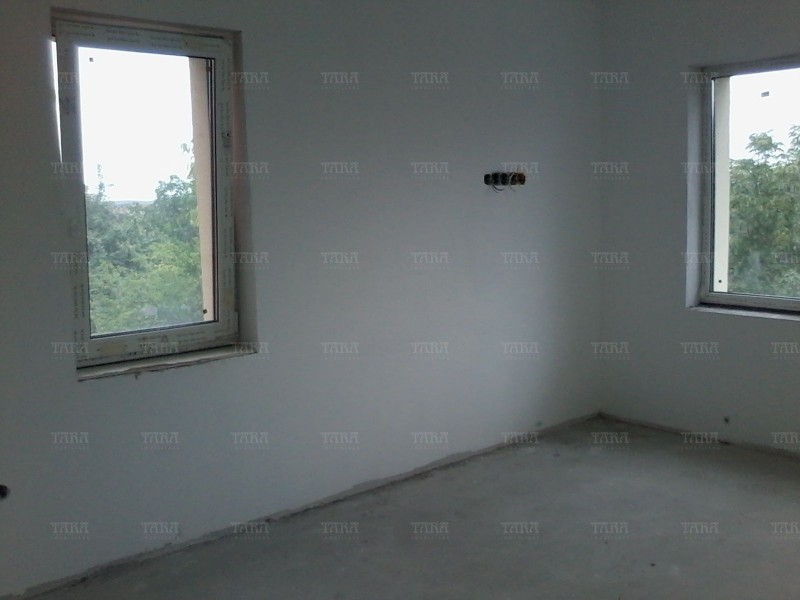 Apartament cu 6 camere, Buna Ziua