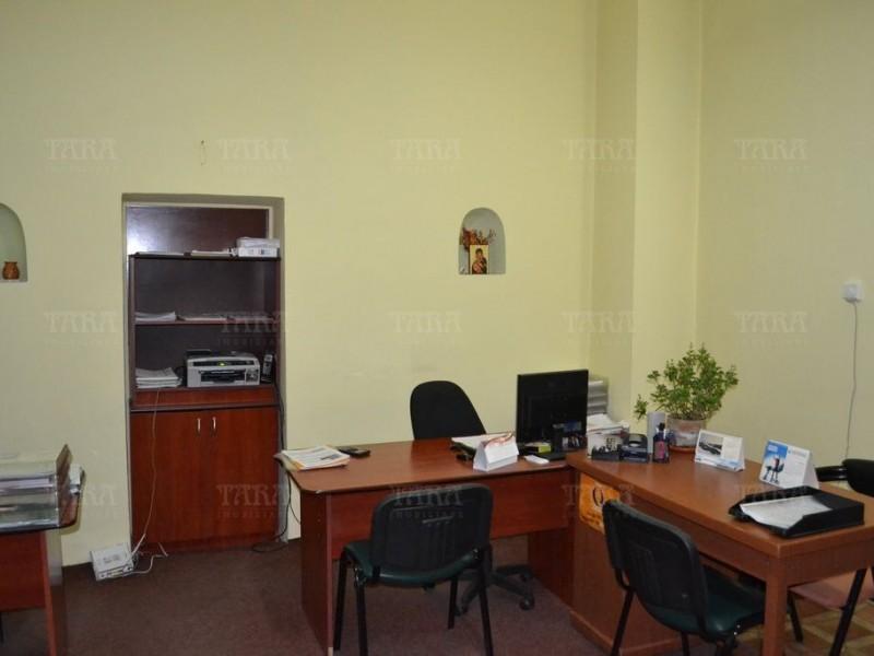 Apartament Cu 5 Camere Ultracentral ID V271013 2